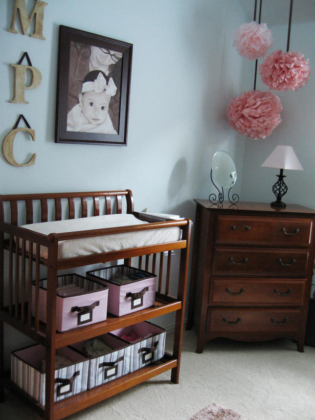 10 ideas de decoracion para la habitacion de bebes - Cambiadores para encima cuna ...