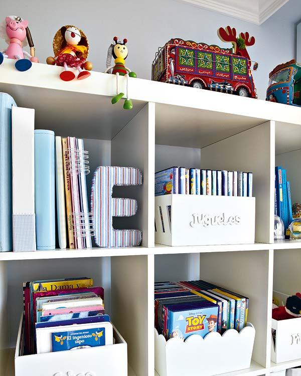 dormitorio infantil para jugar, estudiar y descansar